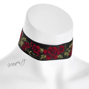 http://manon.cz/7482-thickbox_default/spanelsky-kvetovany-obojek-cervene-kvety-na-cernem-podkladu.jpg