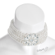Luxusní plesový náhrdelník obojek s umělými perlami a květem s kameny