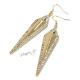 Náušnice dlouhé kosočtverce zlaté barvy s kamínky - II. jakost