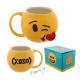 Emoji hrnek žlutý smajlík s polibkem, srdíčkem a nápisem XOXO